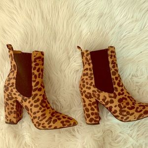 FOREVER 21 CHEETAH BOOTS SIZE 7.5